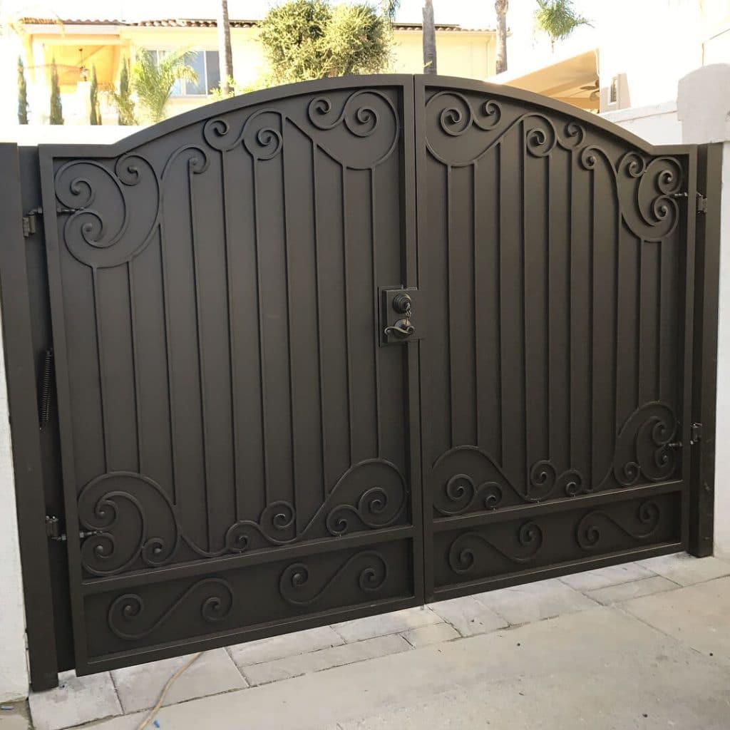 custom gate 11-2