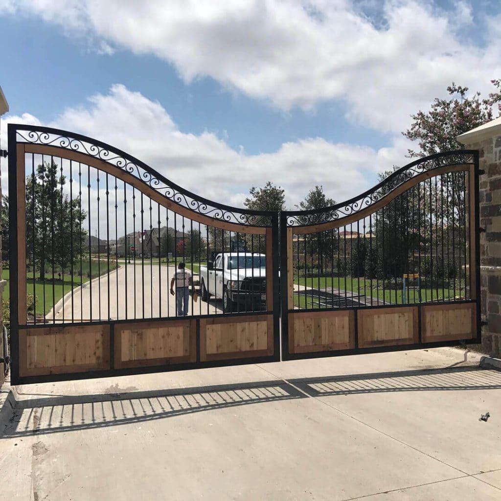 unique driveway gate-2